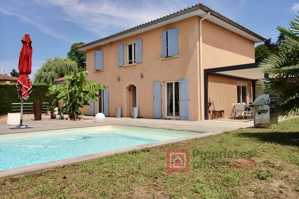 Villa Parcieux 7 pièce(s) environ 132m2, 4 chambres, piscine