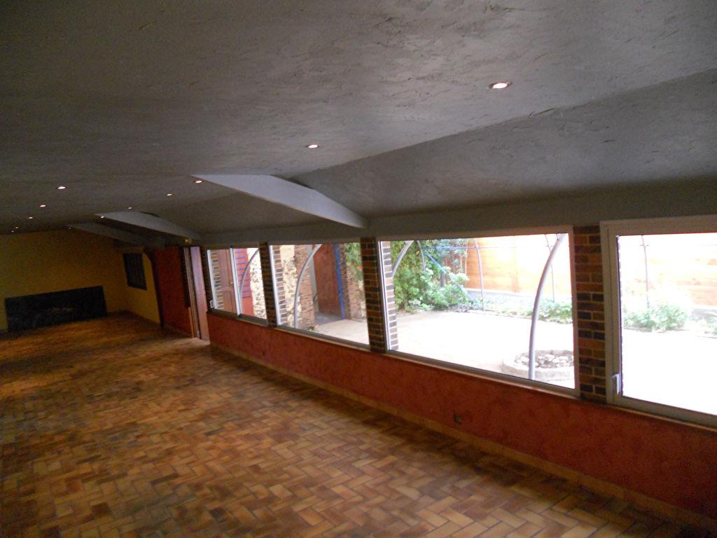 Maison à réhabiliter ou restaurant avec habitation de 200 m2 (28250 Senonches)