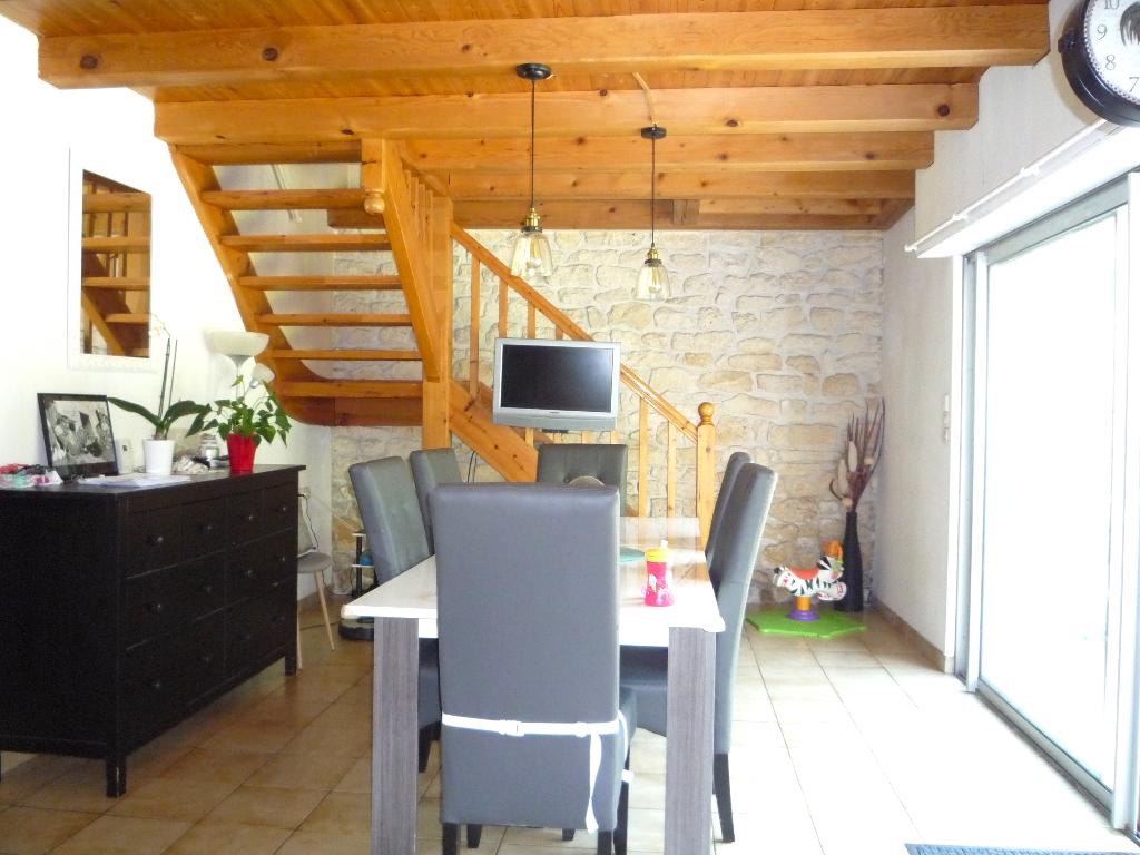 SAINTES CENTRE VILLE Maison 4 chambres garage et jardin