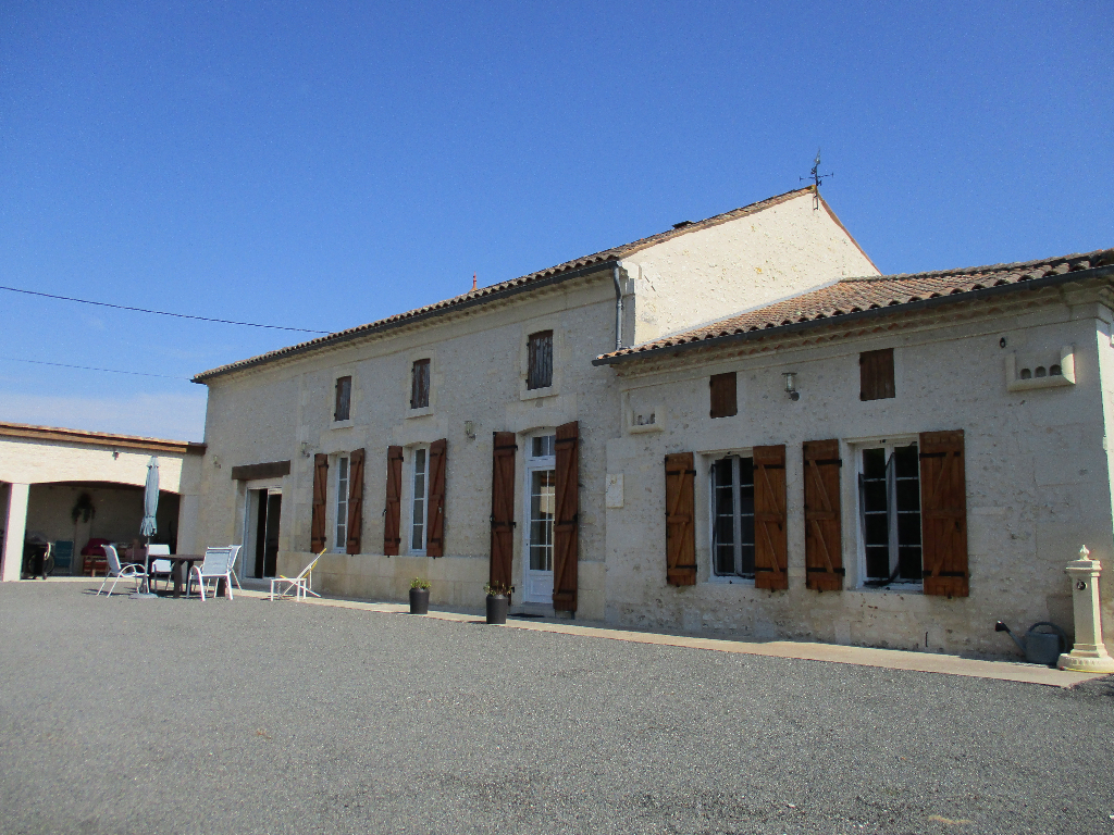 Maison Mirambeau 4 pièce(s) 132 m2