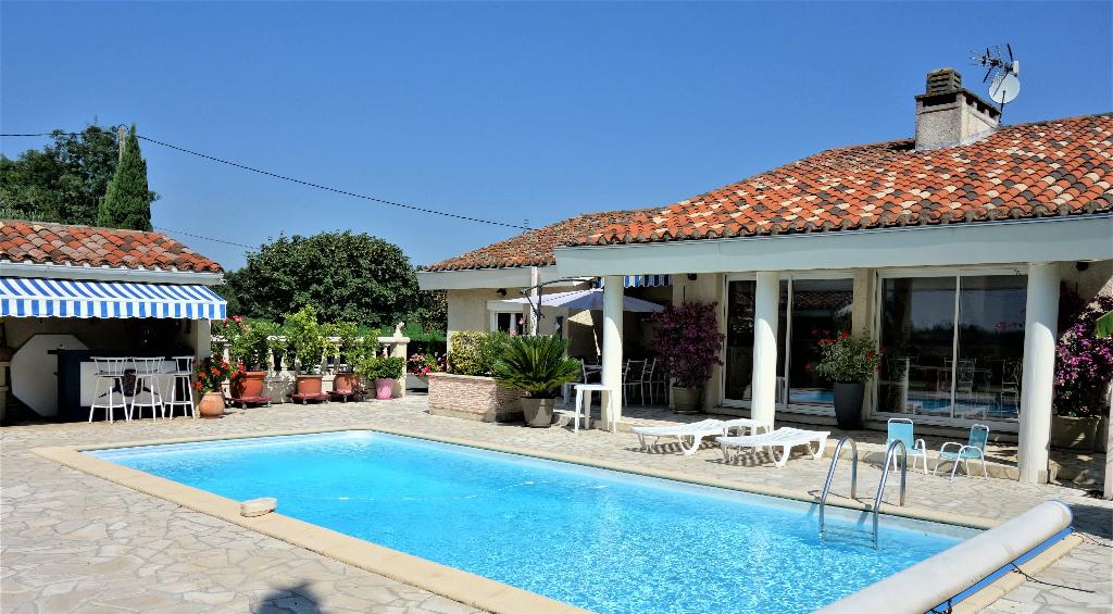Villa  6 pièce(s) 180 m2 avec piscine