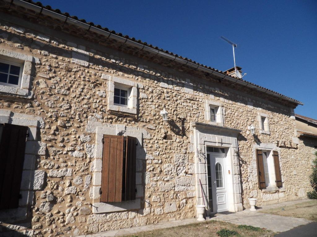 Dordogne Maison en pierres sur parcelle de 1029 m²