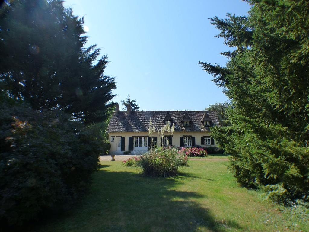 A 1h15 de Paris et 15 minutes de Verneuil sur Avre Maison individuelle - 1 étage - 4 chambres - Garage - Parc arboré - Piscine - 249 500  HAI