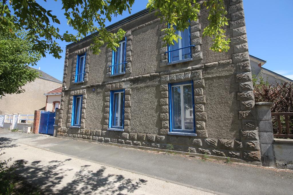 Maison Toury 6 pièce(s) 160 m2