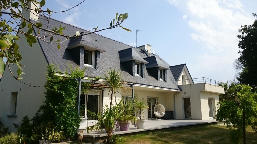 Maison Concarneau 6 pièce(s) 4 ch. 207 m2 sur terrain de 1736 m²