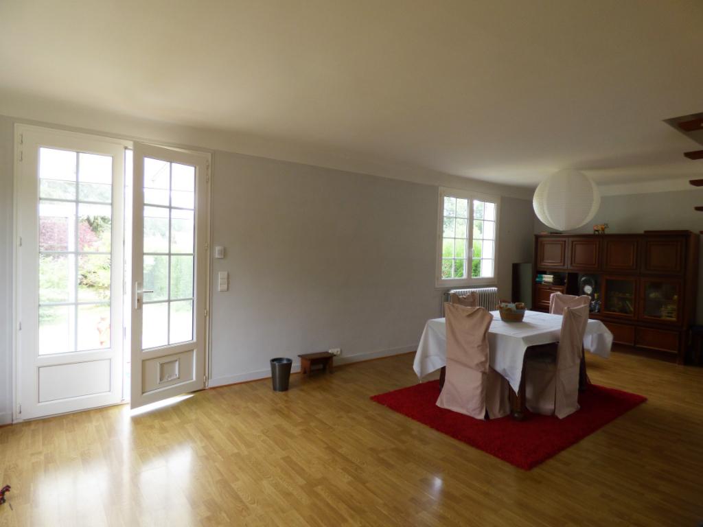 SAINT GERMAIN SUR AVRE 27320 Maison individuelle - 1 étage - 4 chambres - Garage et atelier - Cave - Terrain - 176 783  HAI