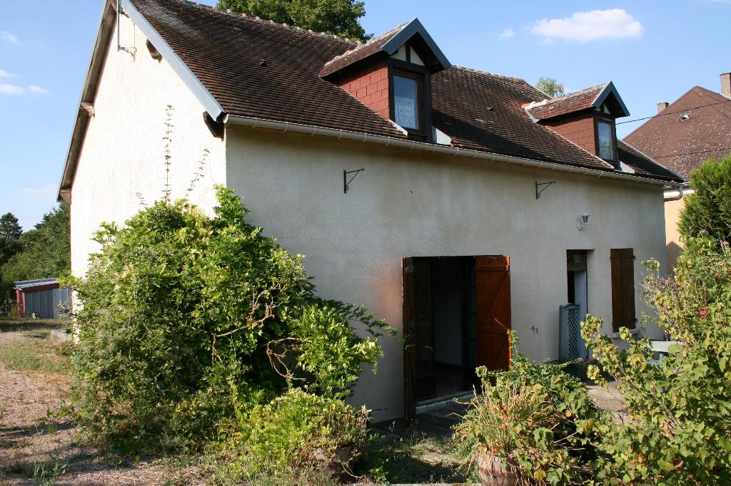 Maison Sougeres En Puisaye 4 pièce(s) 139 m2