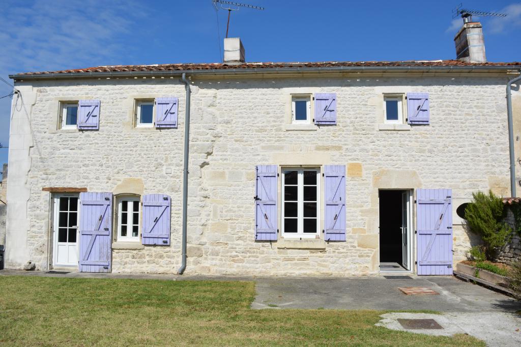 Maison  6 pièce(s)  Secteur Cognac 168 m2 environ