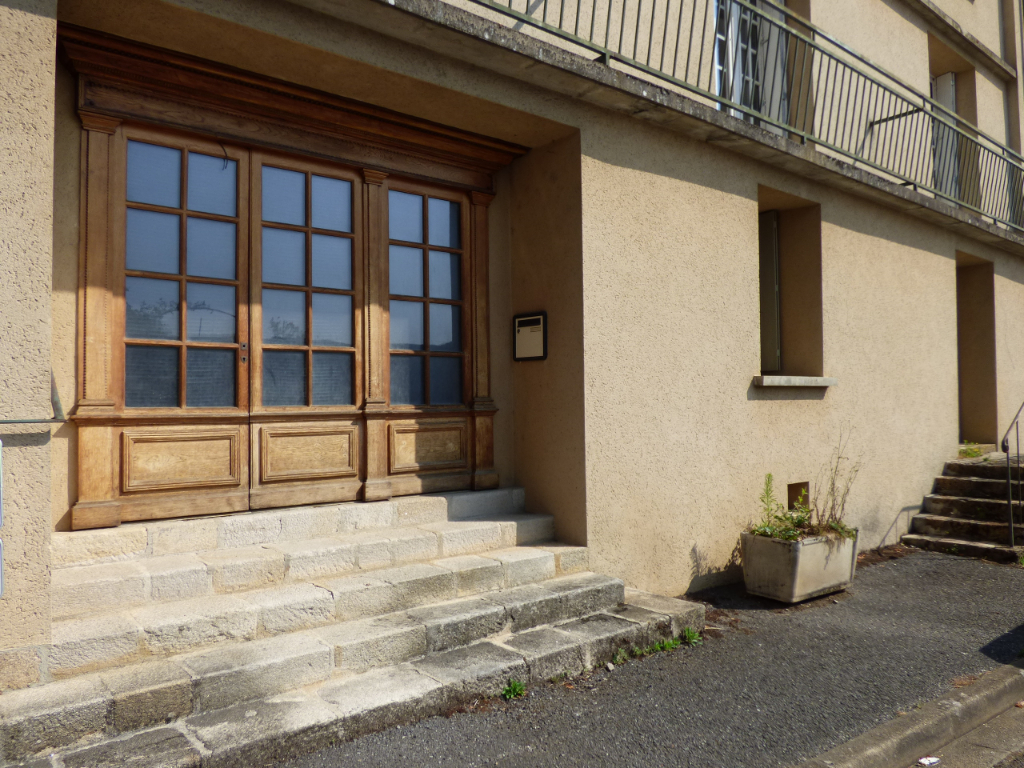 Maison Rochechouart 12 pièce(s) 274 m2