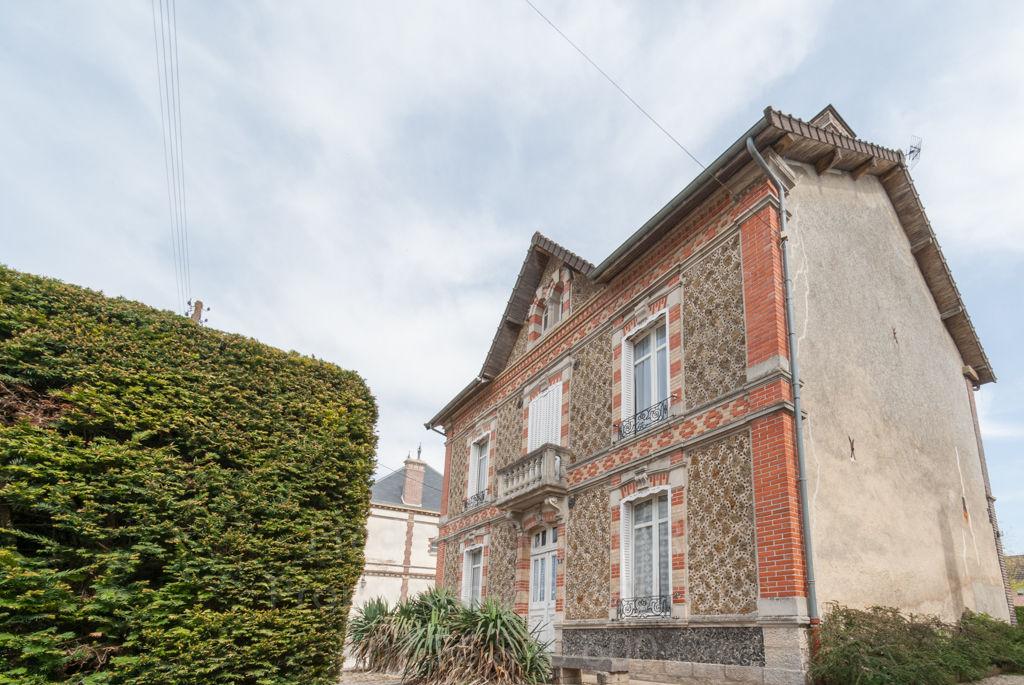 Maison Meulière Marigny Le Chatel 7 pièces 170 m2