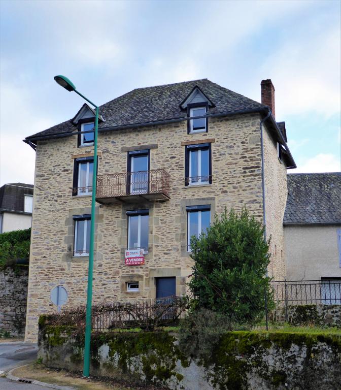 Maison de Bourg en Pierre  - 3 chambres possible 4
