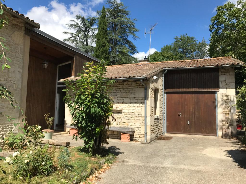 Maison Nanteuil 9 pièce(s) 233 m2