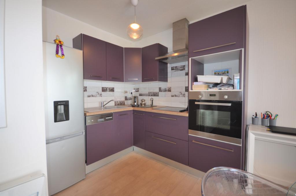 Appartement T2 standing Vannes 40.18 m2 + Terrasse et parking