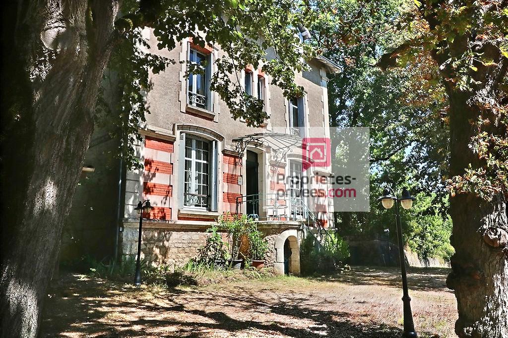 Maison Bourgeoise Chancelade 9 pièce(s) 241 m2