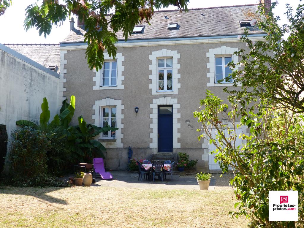 Maison de Maître Rivarennes 9 pièce(s) 192 m2
