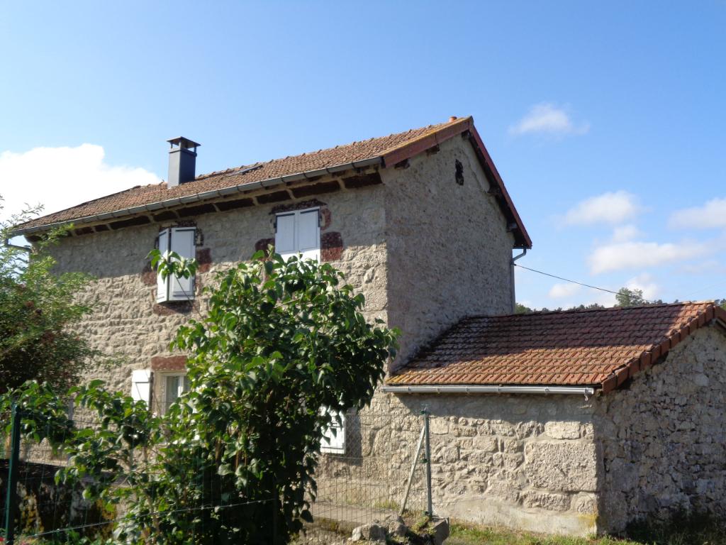 Monistrol D' Allier (43) maison en pierres de 105 m2 sur 320 m2 de terrain