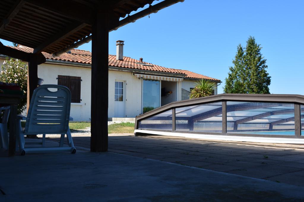 Maison Hiersac 7 pièce(s) 100 m2
