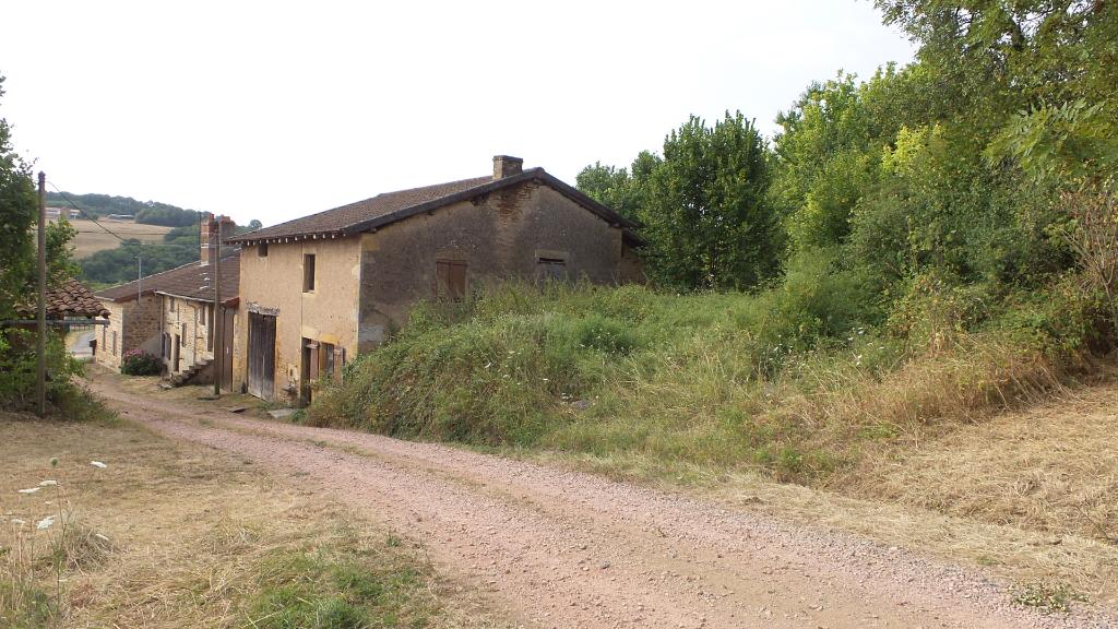 Proche Charlieu - Maison Pierres 140 m² entièrement à rénover