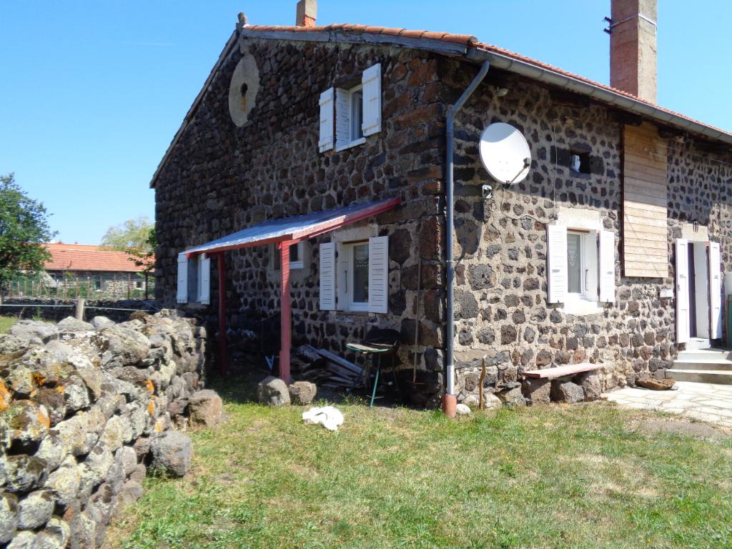 Le Brignon (43) maison de village atypique de 130 m2 sur 170 m2 de terrain