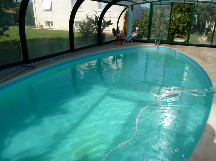 Maison Le Pizou 6 pièce(s)  124m², sous-sol semi-aménagé, piscine couverte chauffée, grand hangar