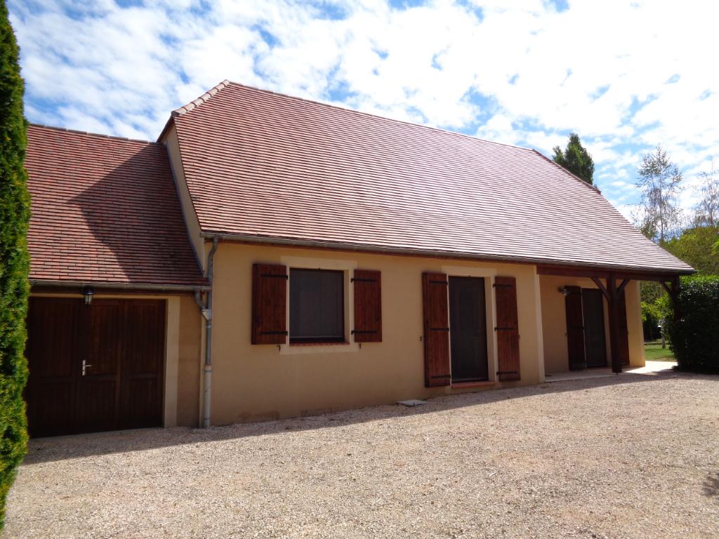 Maison d'habitation de style quercynois 5 pièce(s) 130 m2 avec piscine