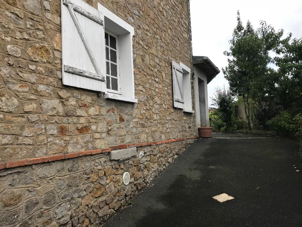 Maison Sablé Sur Sarthe 5 pièce(s) 100 m2