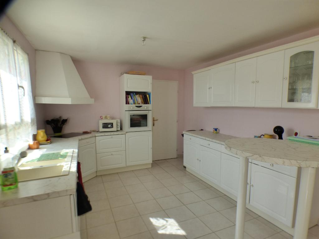 SAINT LUBIN DES JONCHERETS 28350 Maison traditionnelle - 1 étage - 4 chambres - Garage -  165 000  HAI