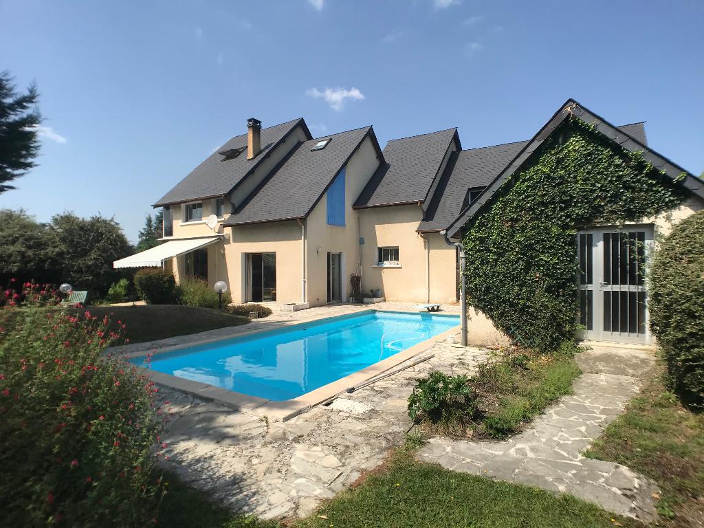 Maison Contemporaine 7 piéces, piscine, un appartement 330 000