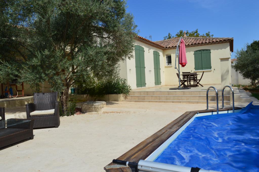 Villa plain pied à Cournonsec 5 pièce(s) 110 m2 environ sur 500m2 de terrain avec piscine
