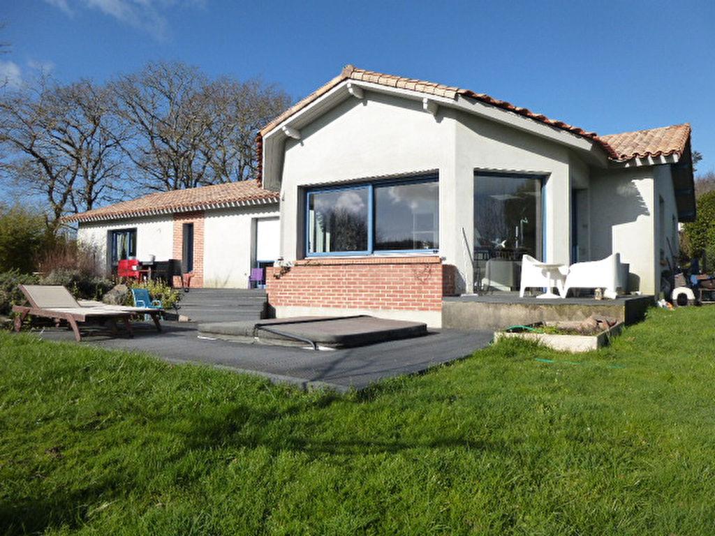 PORNIC (44210) Maison - 5 piece(s) - 150 m2. Vue magnifique