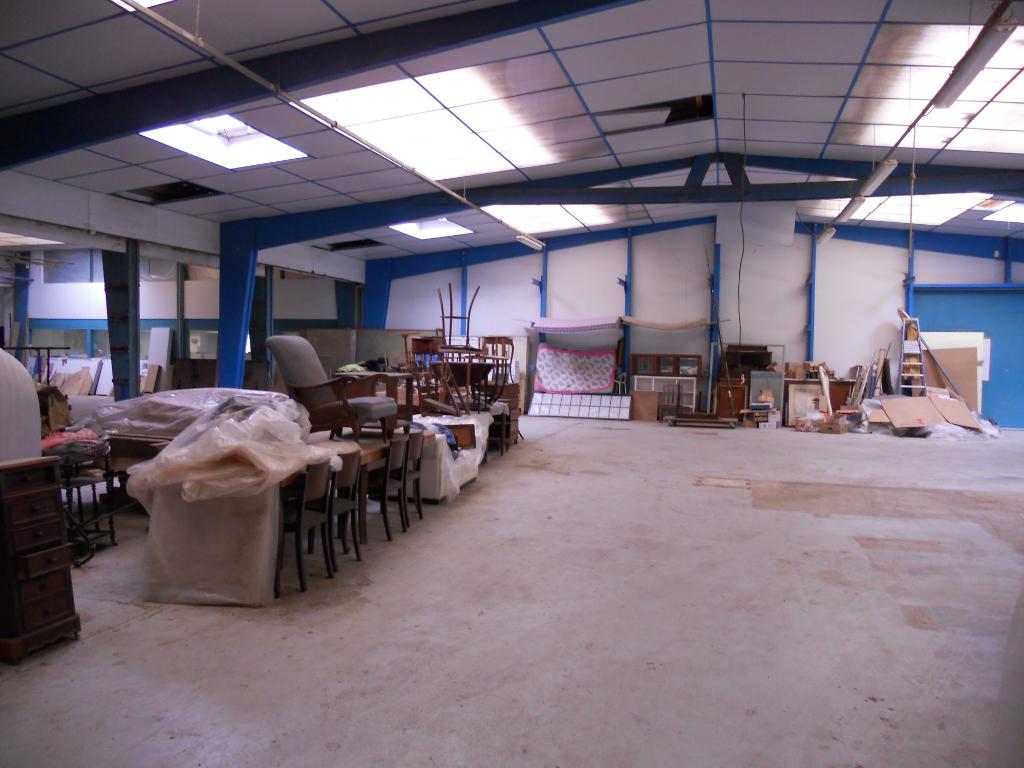 Local d'activité  2000 m2 Dreux 28100