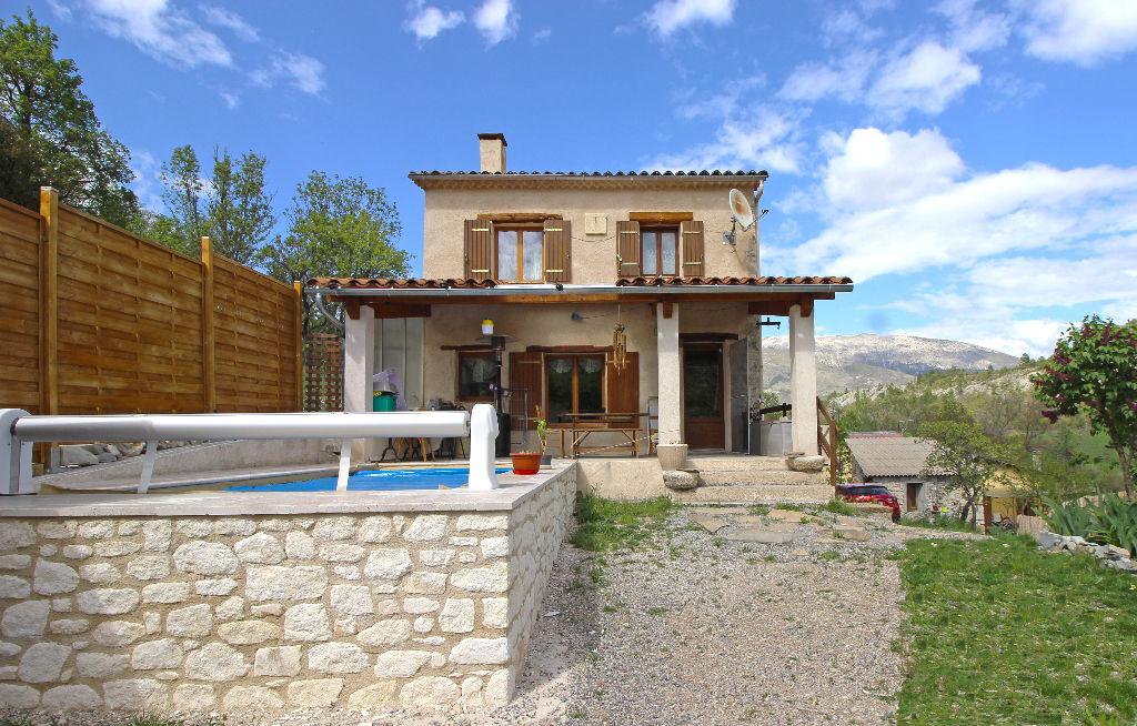 Maison 5 pièces 3 chambres 93 m2  - Clumanc 04330