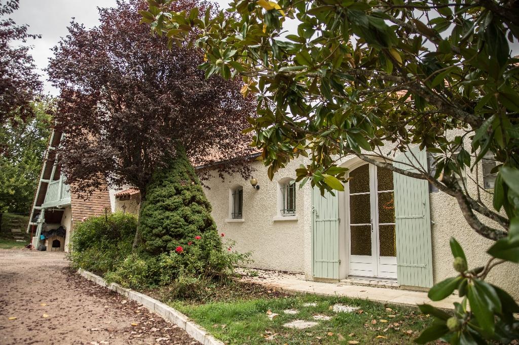 Maison d'architecte St Pierre De Chignac 6 pièce(s) 157 m2