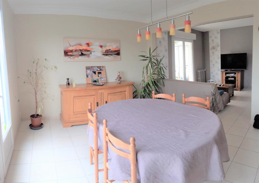 Maison 100 m² LA POMMERAYE  3 chambres double garage