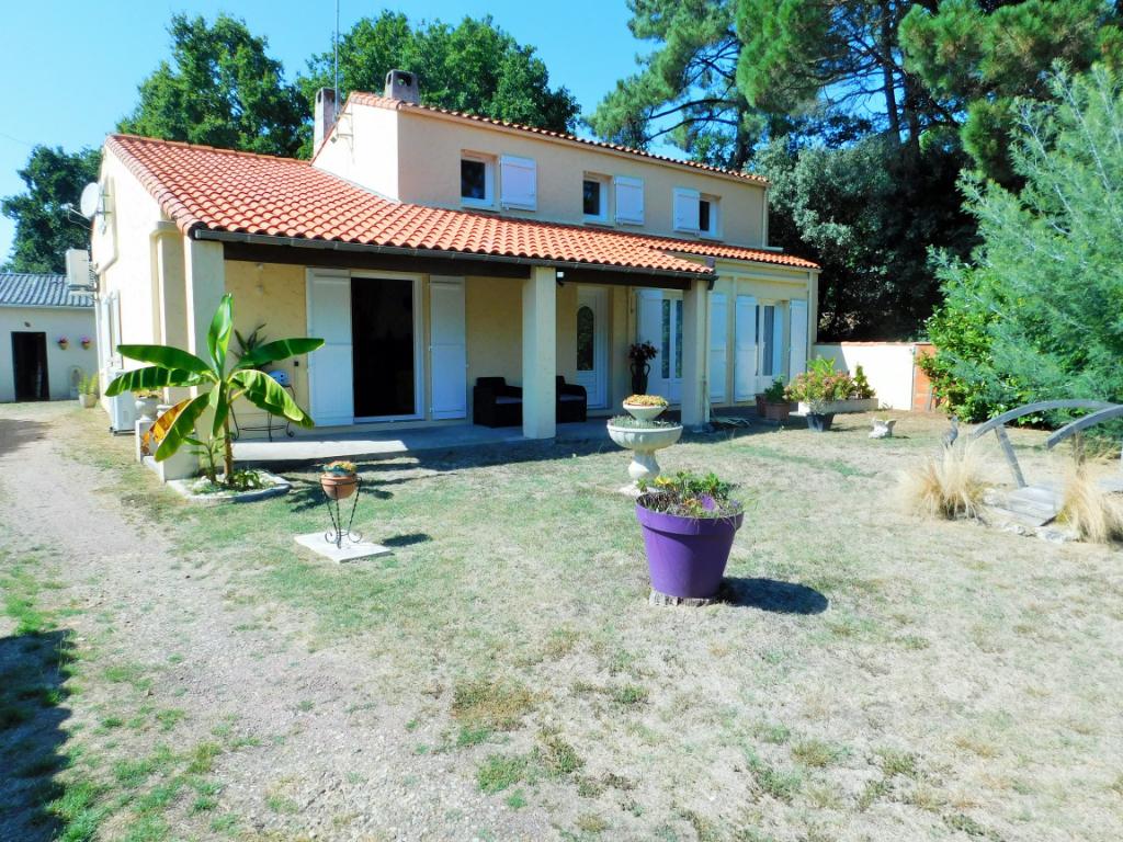 Maison La Tremblade 9 pièces 193 m2