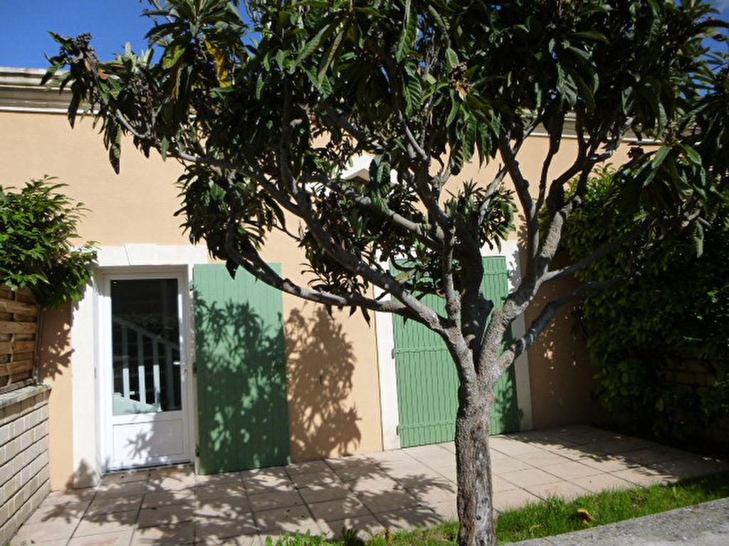 Villa Monteux 4 pièce(s) 78 m2   185 000 euros