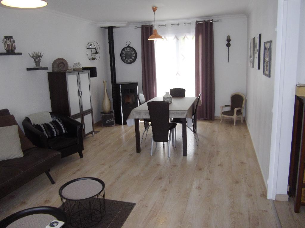 Maison La Bazoge 7 pièce(s) 95 m2