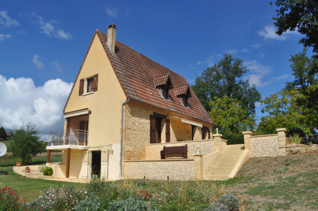 Maison Beynac Et Cazenac 4 pièce(s) 103 m2