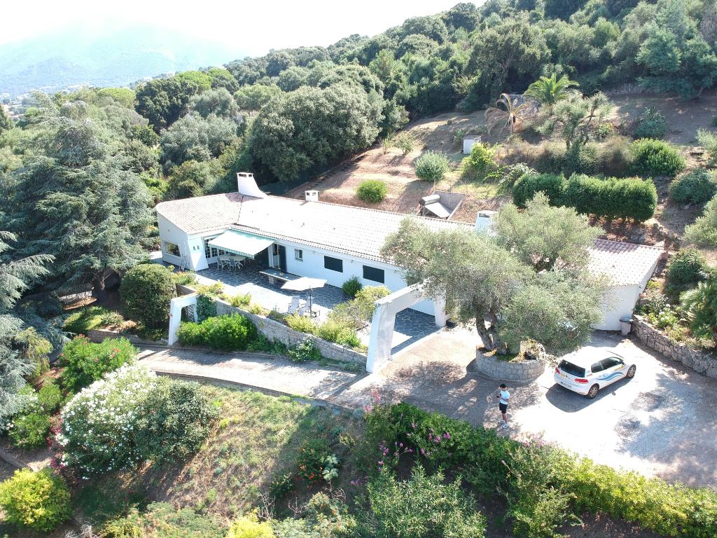 Belle villa vue mer et montagne proche d'Ajaccio (20000) 7 pièce(s) 193 m2