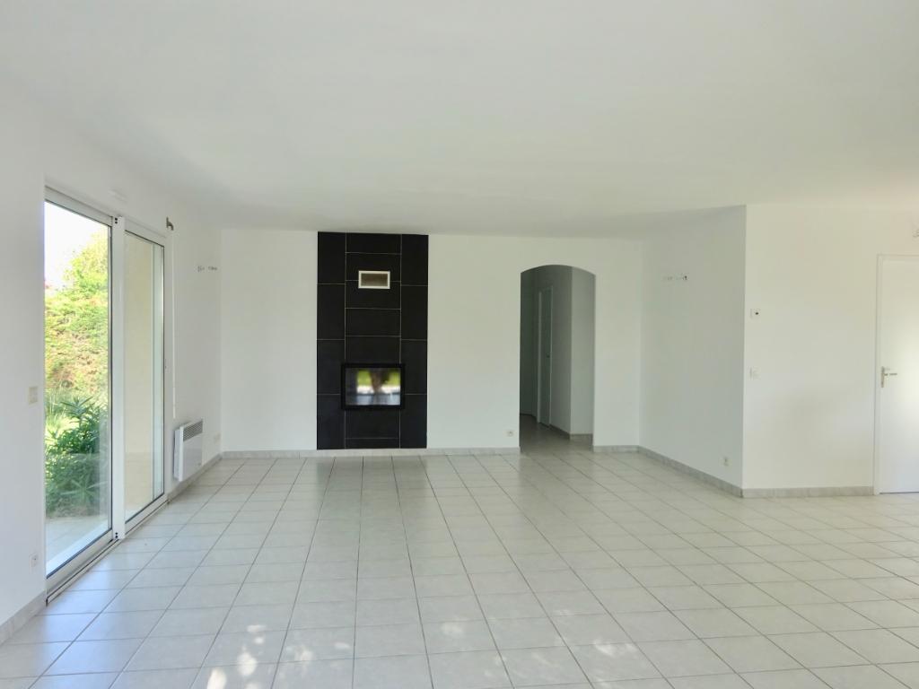 Villa Uzein 4 pièce(s) 100 m2