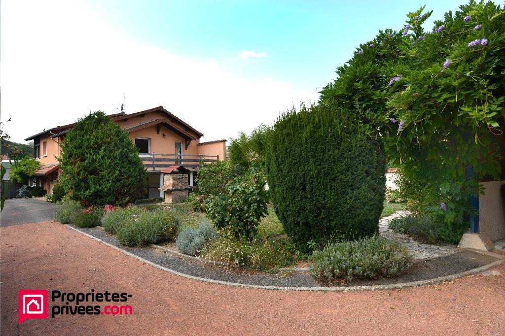 Villa  Amplepuis 10 pièce(s) 242 m2 280 000