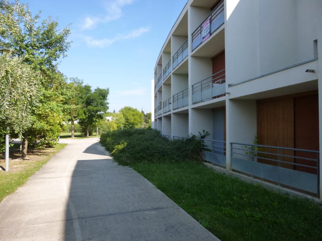 Appartement Avignon 1 pièce(s) 24 m2