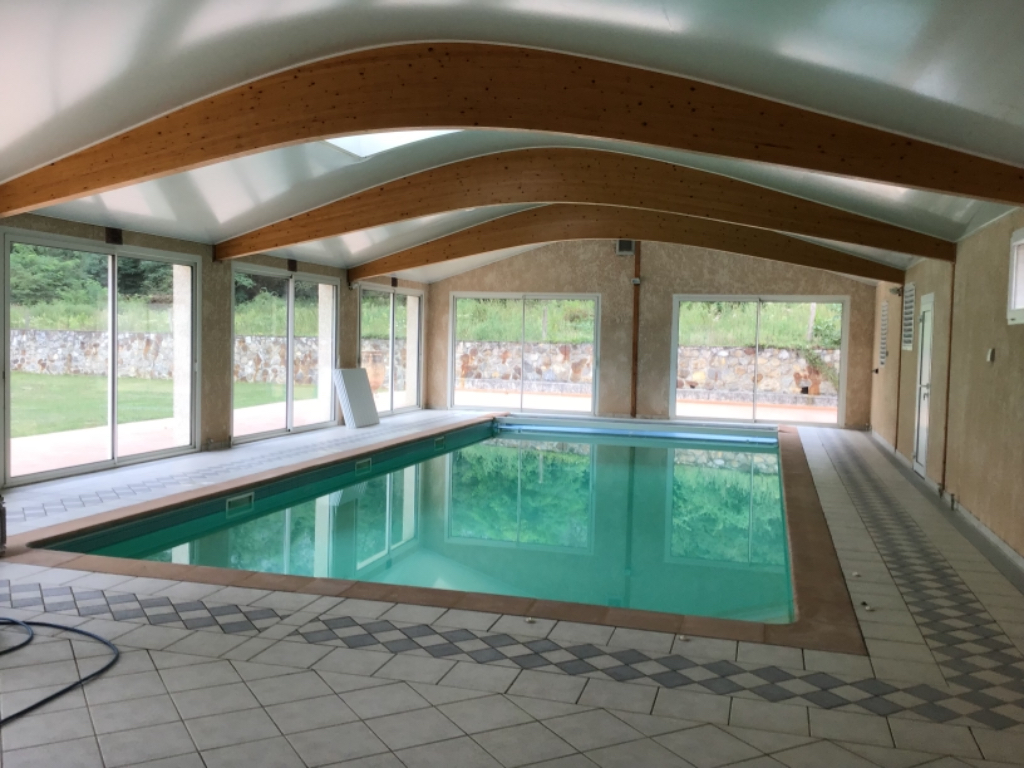 Villa secteur Tarascon Sur Ariège 9 pièces 330 m2 avec piscine intérieure