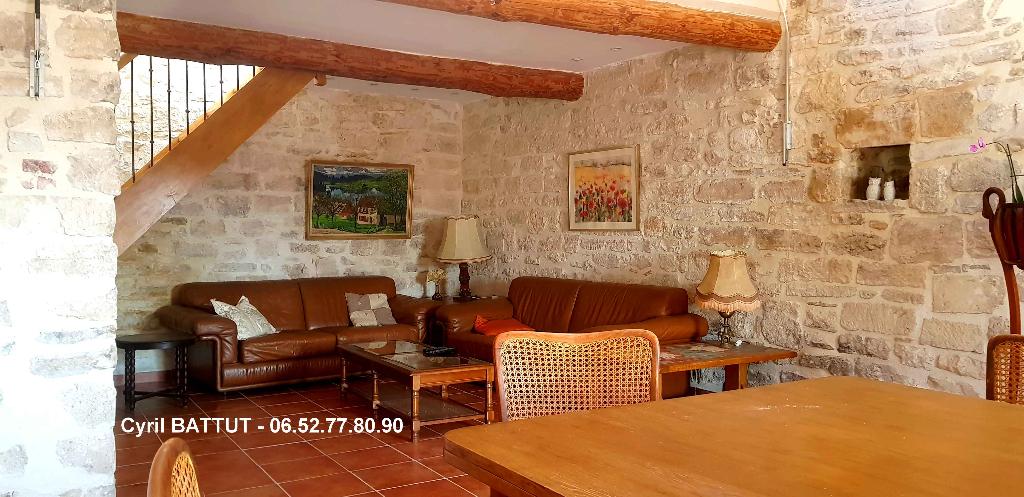 Appartement en pierre, rénové, 120 M²