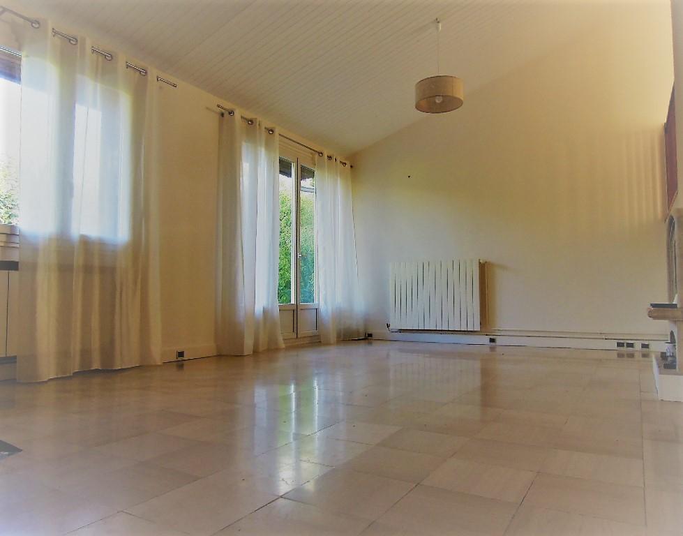 Maison Brunoy 6 pièce(s) 133 m2/ 600m² de terrain- 4 chambres-Garage+ 2 places de stationnement