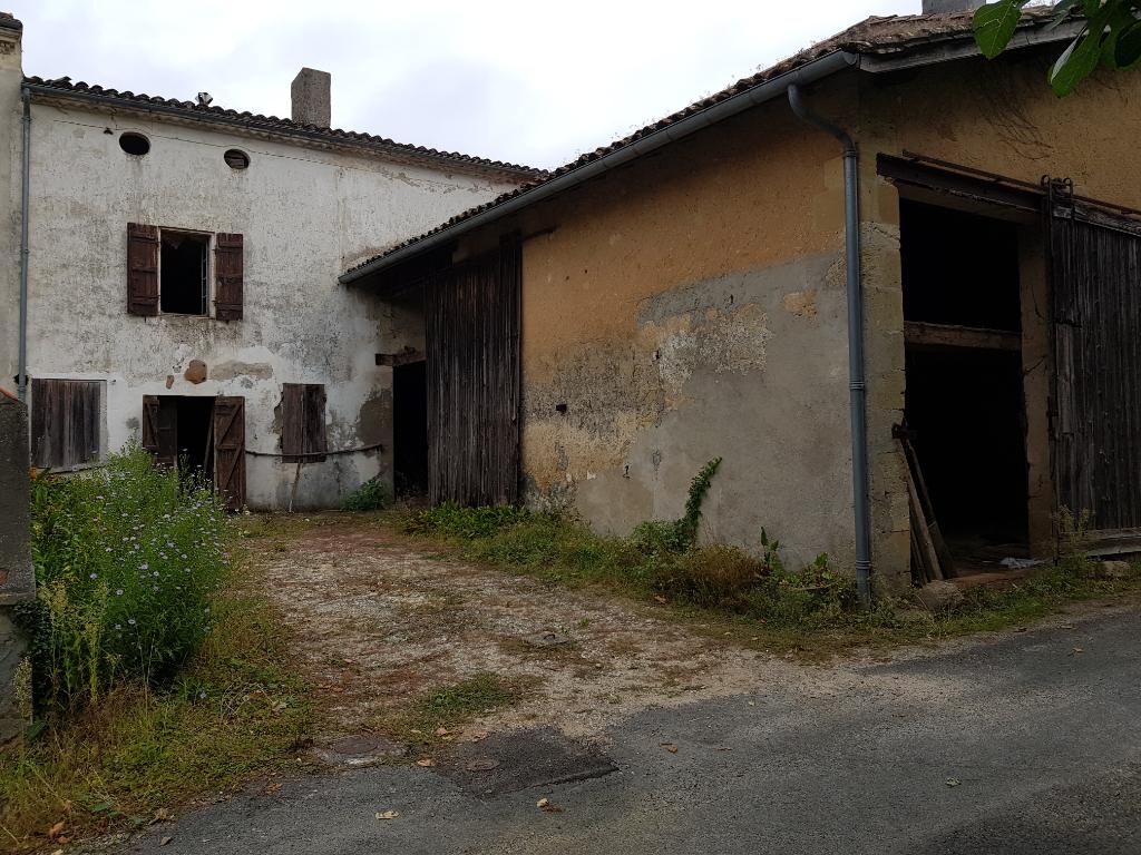 Maison Saint Pierre D'aurillac 3 pièce(s) 230 m2