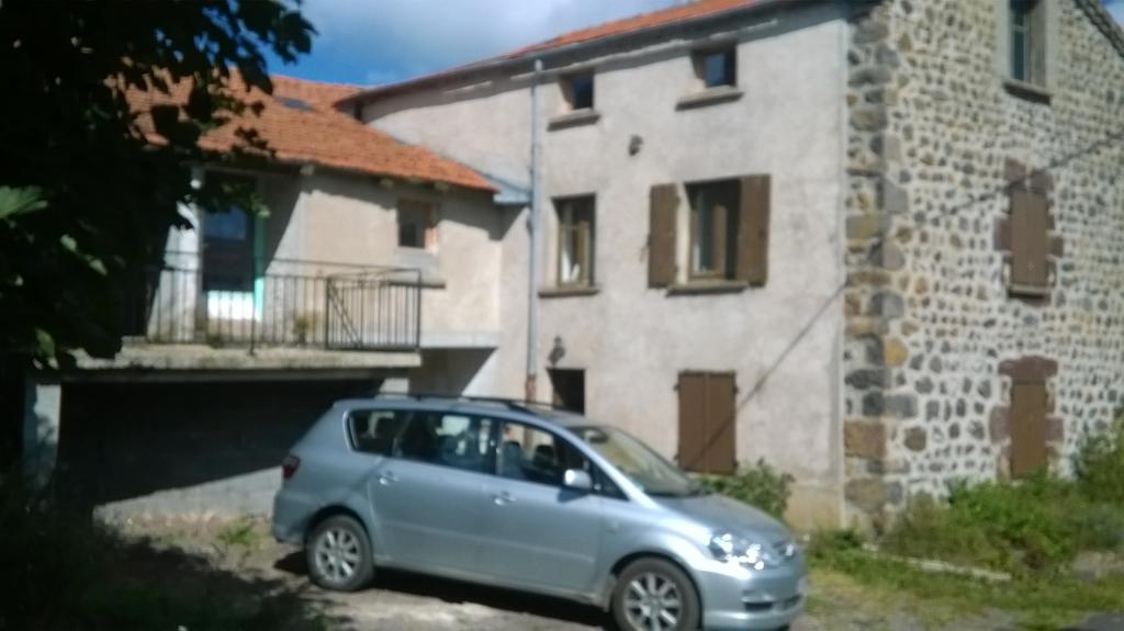 Le Bouchet Saint Nicolas (43), maison de 150m2 + 2 appartements à réhabiliter