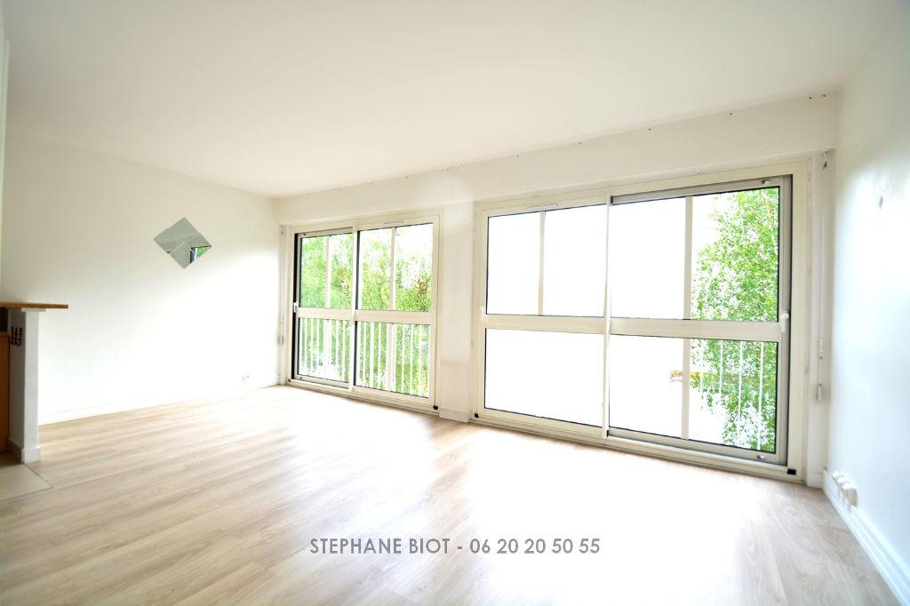 BOIS D'ARCY - 78390 - APT 2 P - 43 m² - 165 000  HAI