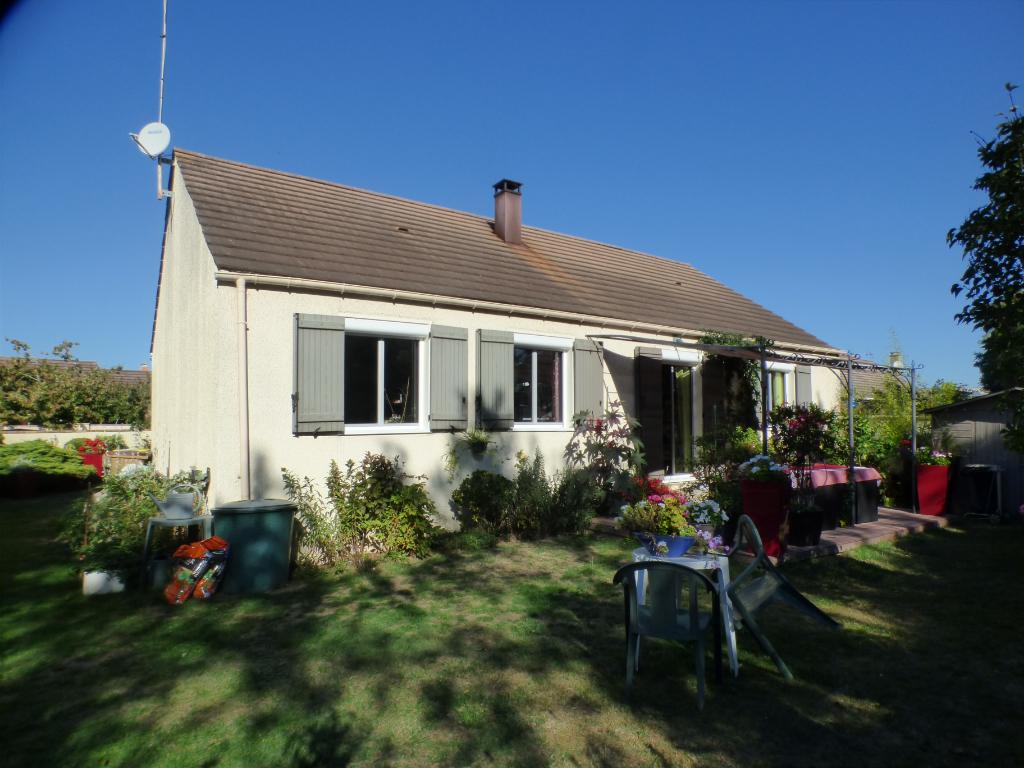 DREUX 28100 Maison traditionnelle de plain-pied - 3 chambres - Garage - Terrain - 161 000  HAI