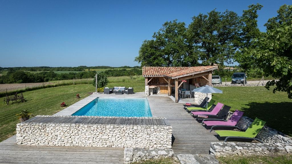 Magnifique  propriété 6 pièces de 225M² sur terrain de 10.000m² au coeur du Quercy Blanc